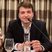 Як стартапам залучати «розумні гроші» – Віталій Оберніхін, AmazingHiring