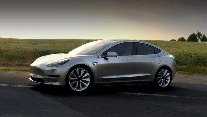 Електрокар Tesla Model 3 зібрав неймовірну кількість замовлень