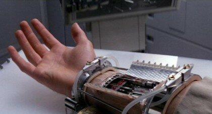 Руки Люка Скайуокера і Дарта Вейдера: це вже не фантастика